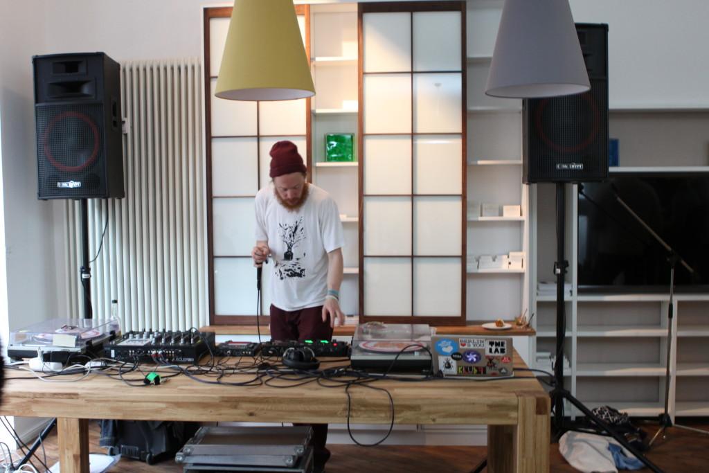 DJ Max Vaupel auflegen