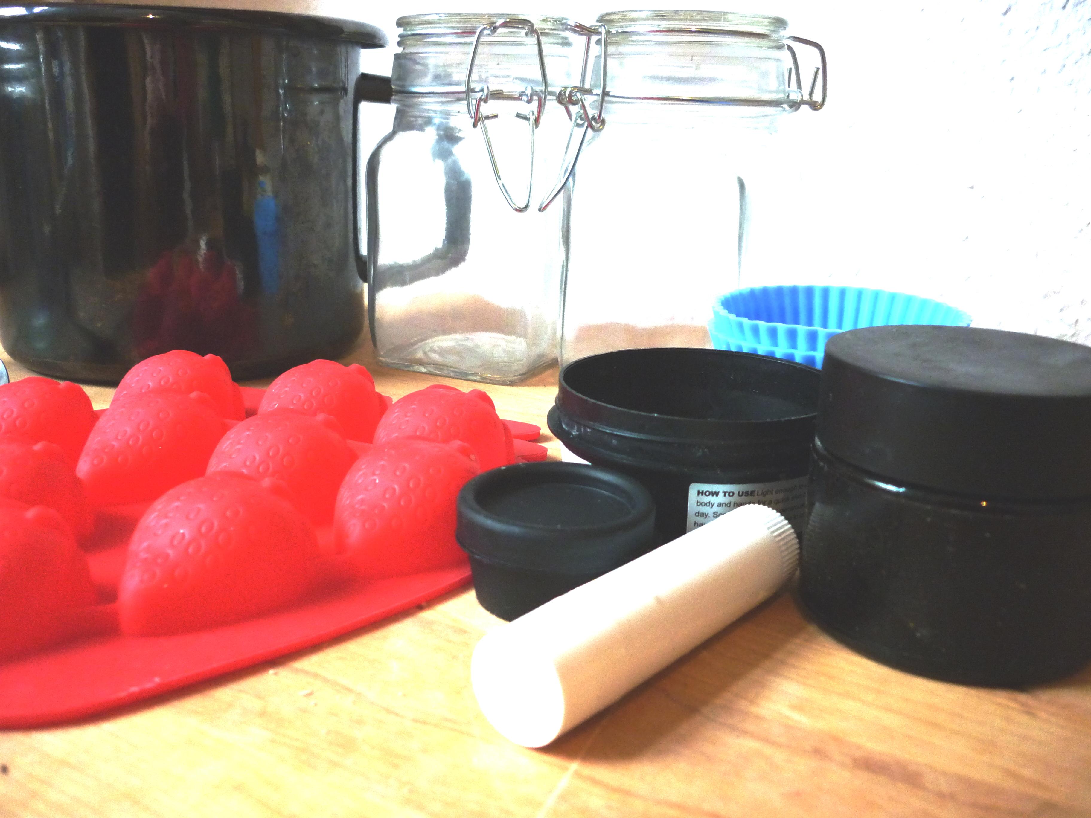 Auswahl 07 Behälter, Topf und Förmchen