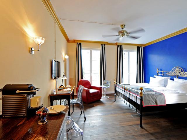 besten designhotels in berlin louise et h l ne. Black Bedroom Furniture Sets. Home Design Ideas