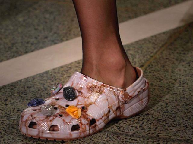 Crocs Trend in