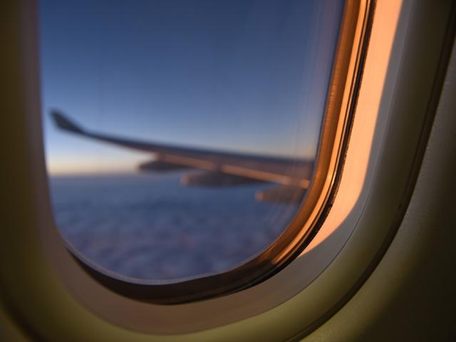 Im Flugzeug entspannen