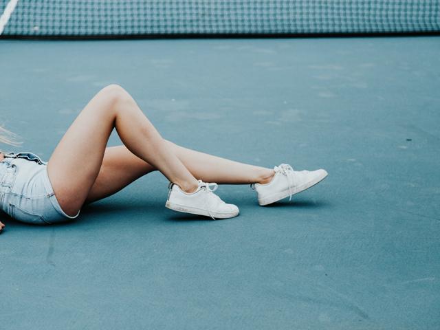 schoene schlanke beine