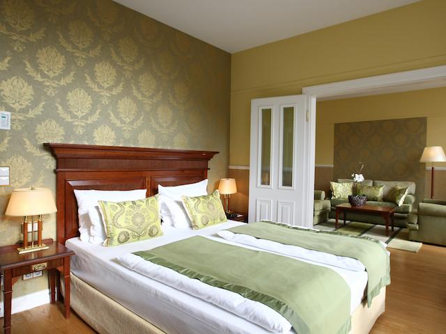 Klassisches Zimmer im ATLANTIC Grand Hotel